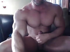 Muscle Brad Edges Jerks & Cums on Cam
