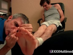 Aiden Valentine Captured and Foot Worshiped|38::HD,46::Verified Amateurs,63::Gay,1841::Amateur,1971::Daddy,1991::Feet,2141::Twink
