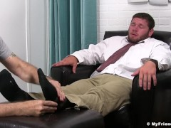 Perverted guy massages hunk feet and licks them real good|63::Gay,1991::Feet,2001::Fetish