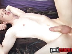 Hardcore bareback sex with youngsters ends in cum