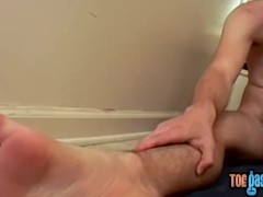 Feet loving young man strokes his big fuck stick all alone|63::Gay,1991::Feet,2021::Hairy,2121::Solo Male,2141::Twink