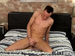 Solo Brit stud tugging his strong cock|38::HD,63::Gay,2121::Solo Male,2141::Twink