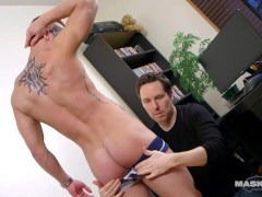 Maskurbate Pascal Plays with Str8 Québécois Stud in Office