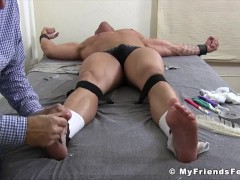 Muscle man strapped down for tickling torment session|38::HD,63::Gay,1921::Bondage,1991::Feet,2001::Fetish,2041::Hunks,2081::Muscular