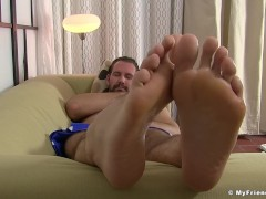 Bearded hunk cock teases with his amazing feet and toes|38::HD,63::Gay,1991::Feet,2001::Fetish,2041::Hunks,2121::Solo Male