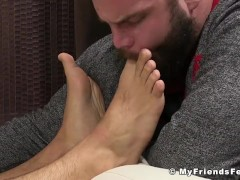 Muscle stud Trevor jerking off and foot worship cumshot|38::HD,63::Gay,1991::Feet,2001::Fetish,2041::Hunks