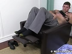 Stud shows off his feet while watching porn and masturbating