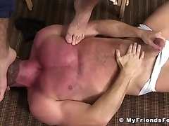 Hairy hunk Ricky feeds toes to naughty bald wanker|38::HD,63::Gay,1991::Feet,2041::Hunks