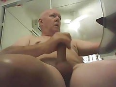 Sub Smooth Daddy Wanking His Nice Cock