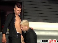 Tattooed blond homo cums after a hard ass pounding